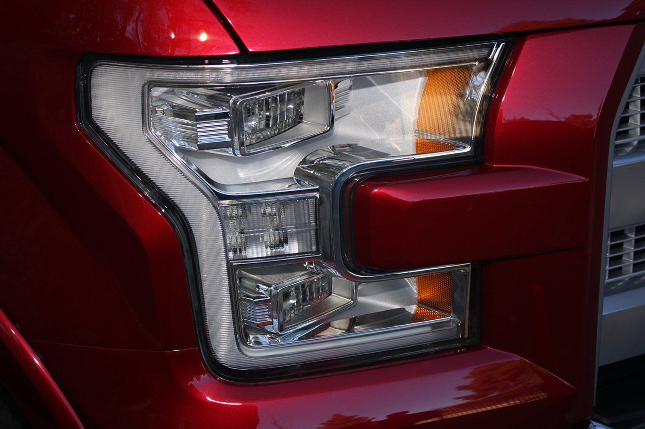 2015-ford-f150-headlight